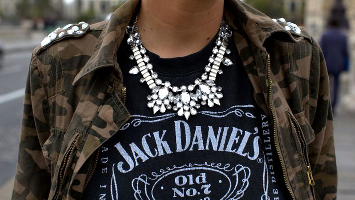 Las camisetas de Jack Danield's son un básico para urbanitas y rockeros