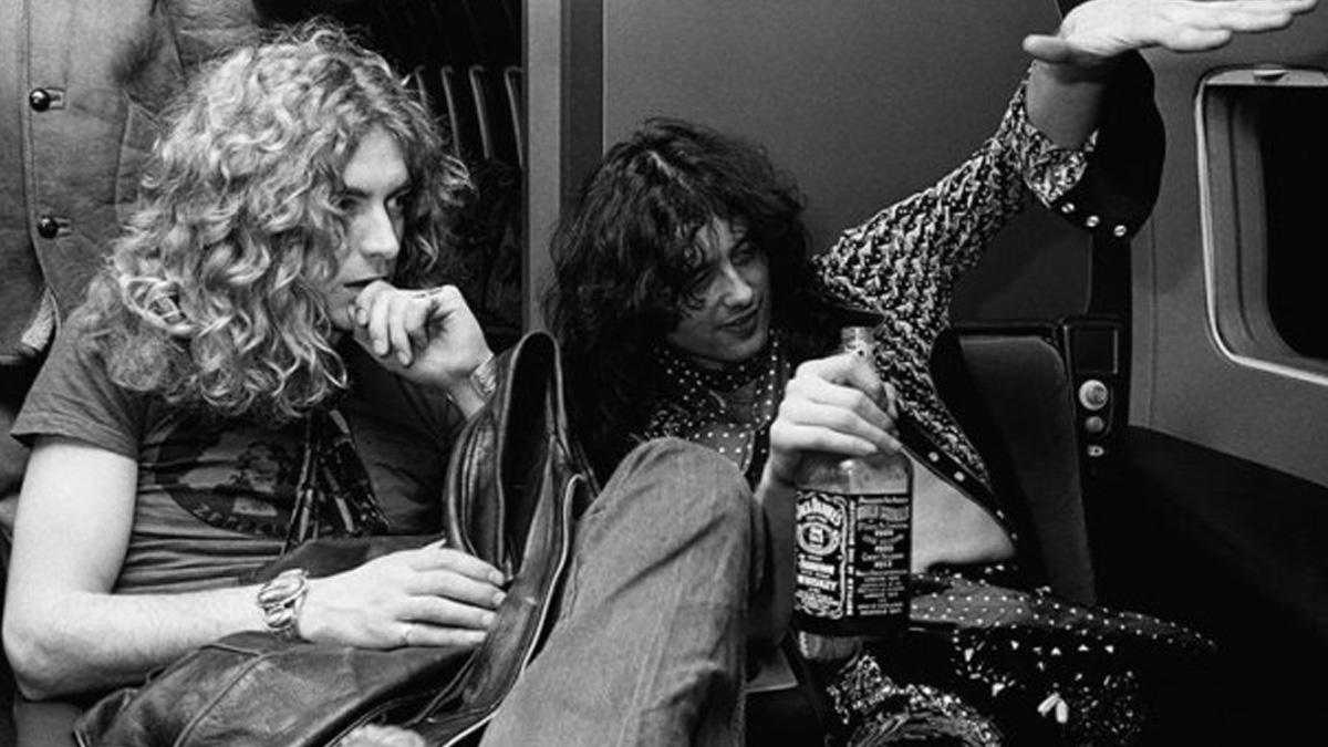 Una de nuestras bandas favoritas, Led Zeppelin, concentrándose antes de un vuelo