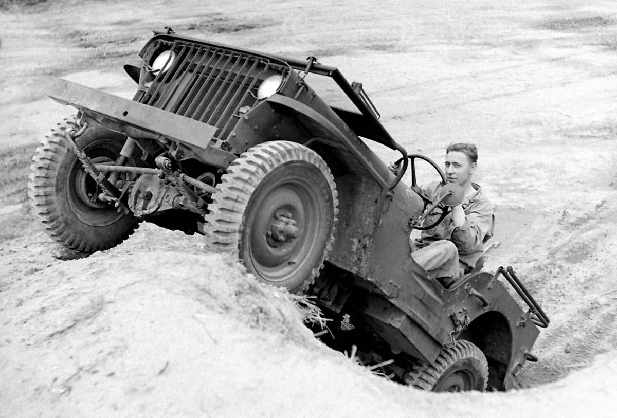 El Willys MB heredaba las entradas del Bantam y el capó del Ford