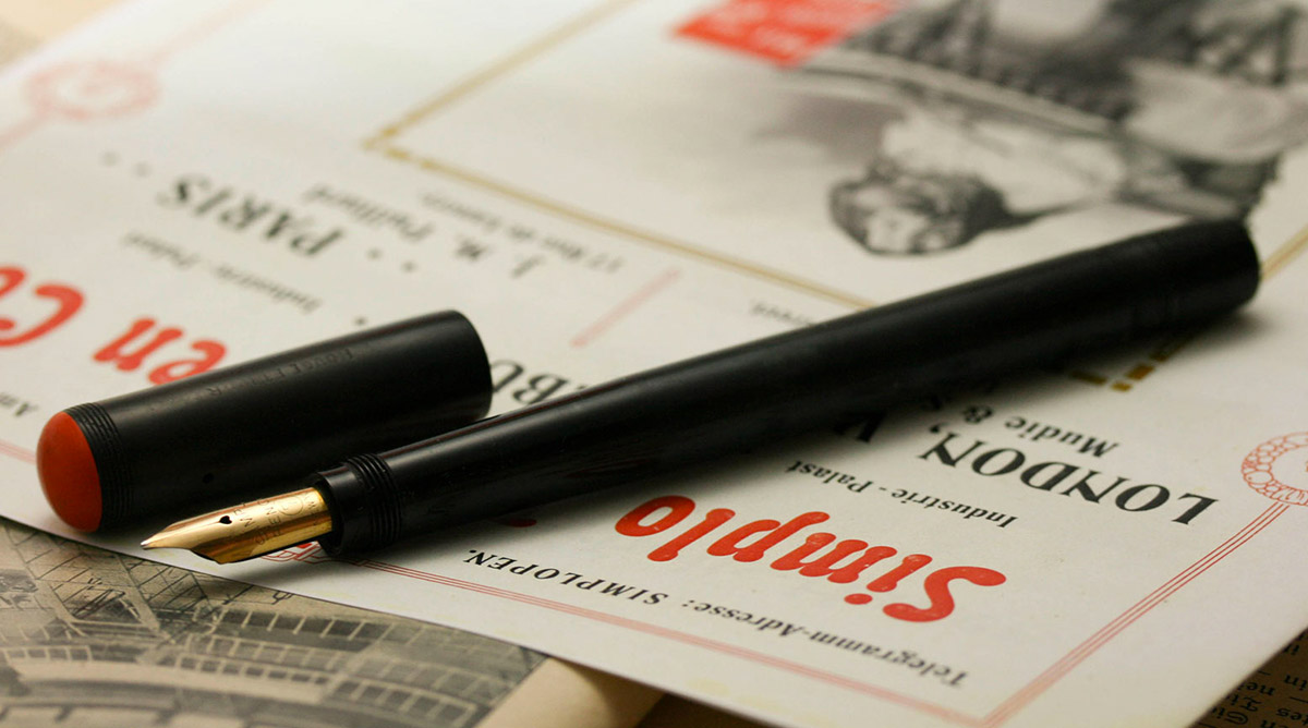 Las primeras plumas de la Simplo Filler Pen company fueron los modelos Rouge et Noir