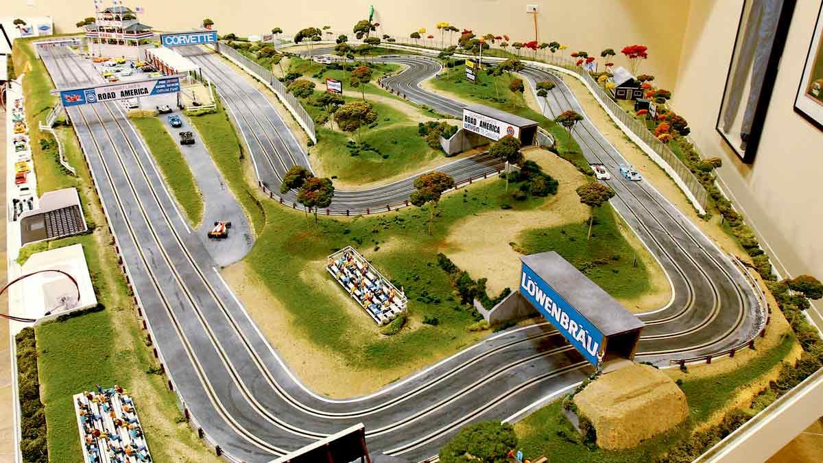 Circuito de Slot integrado en un diorama o maqueta