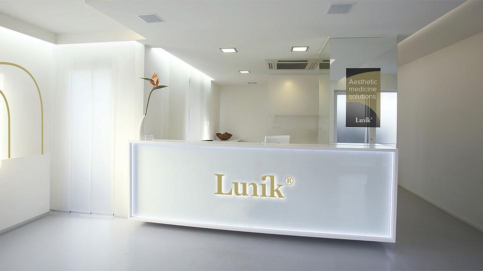 Brandstocker-agencia-madrid-marca-clinica-logotipo-logo-estietica-cirujia-lujo-Lunik-07