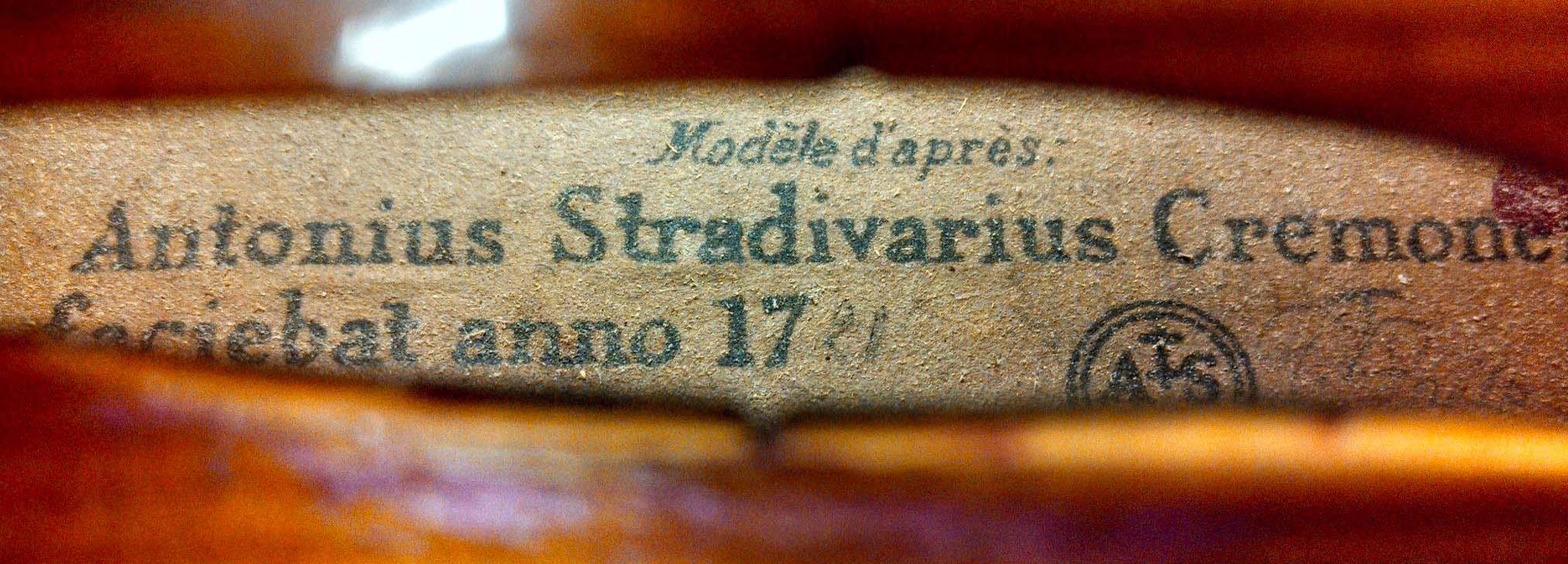 Firma y símbolo original de Antonio Stradivari